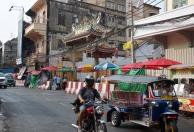 Bangkok-Chinatown-Tuk-Tuk-and-Motorcycle